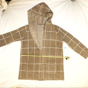 NWT Cyrus extra cozy and versatile hooded sweater